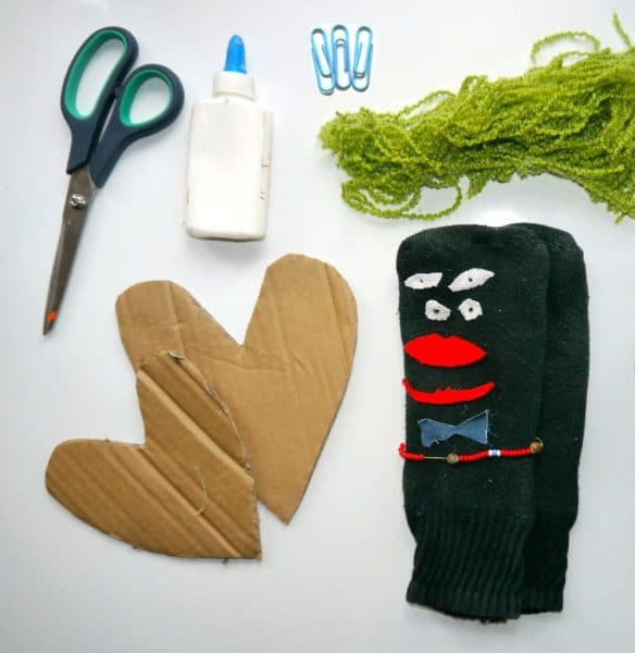 materials for easy sock puppets