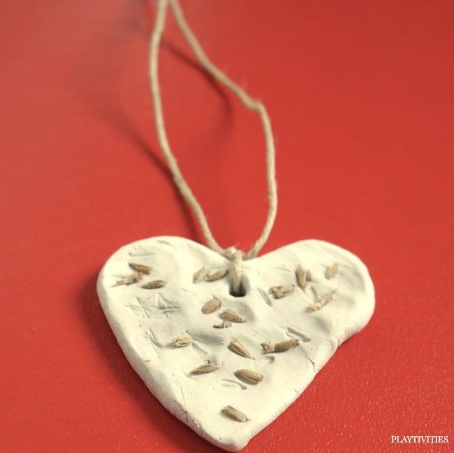 diy diffuser necklaces
