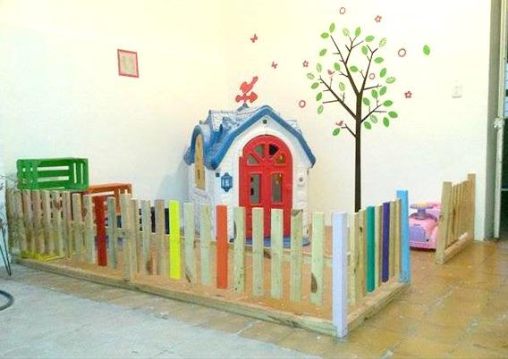 diy-pallet-baby-playhouse-fencing