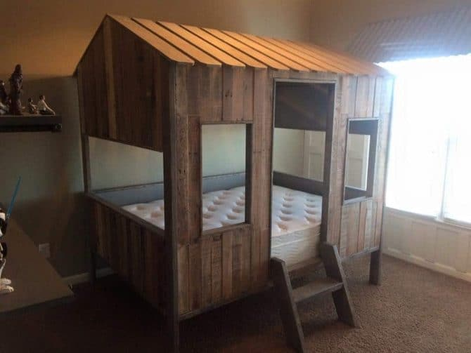 handmade-pallet-kids-paly-house-and-bed