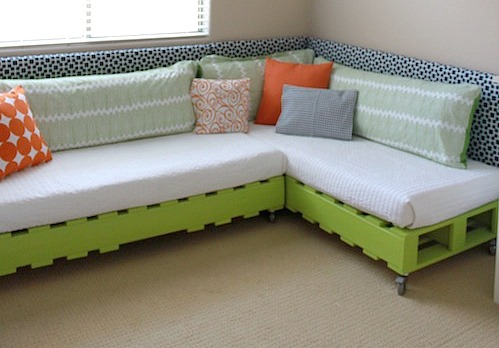 how-to-make-a-pallet-bed