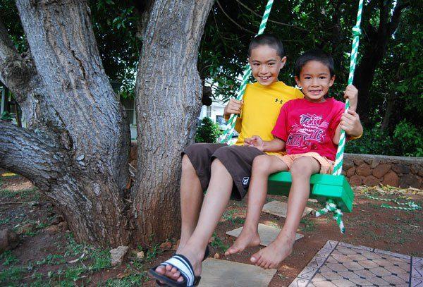 tree-swing-kai-kapono